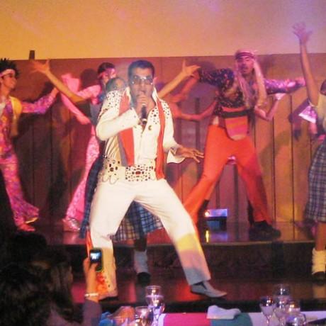 Show 60's, 80's, música disco